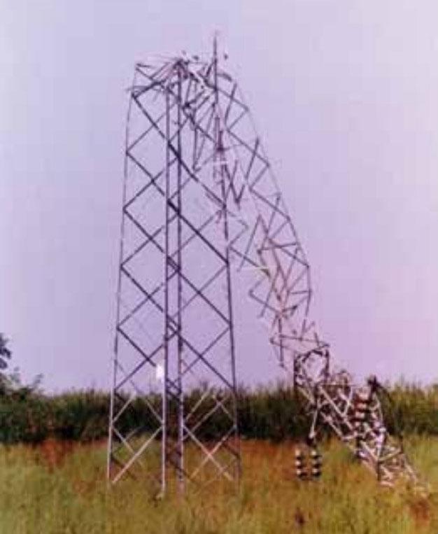 Uništeni stup dalekovoda